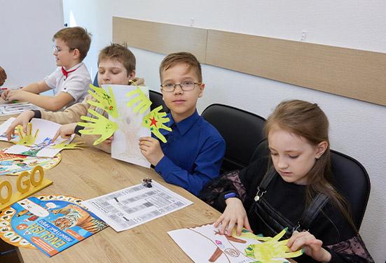 Английский в Новосибирске для школьников 9 — 12 лет